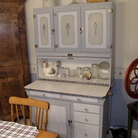 hoosier cabinets | ... what my great-grandmother's Sellers cabinet  lookslike