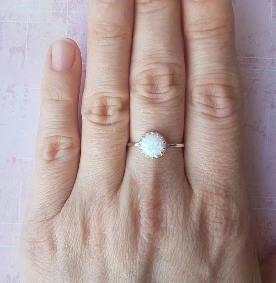 Blanco anillo de ópalo anillo del ópalo azul corona anillo