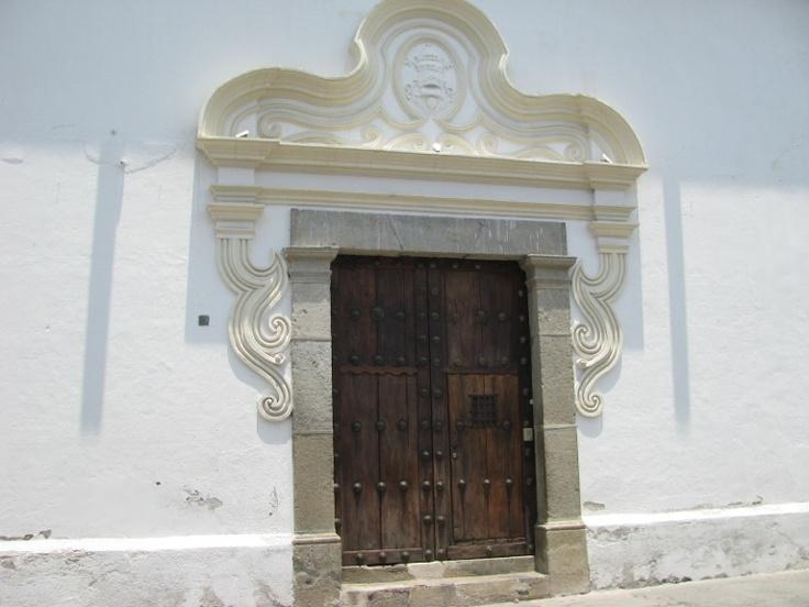 Arquitectura colonial que caracteriza la mayoría de construcciones en Antigua
