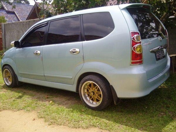 Modifikasi Mobil Toyota Avanza Silver