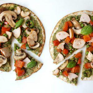 Pesto wrap pizza's > volkorenwraps, champignons, erwten, paprika, kip, pesto