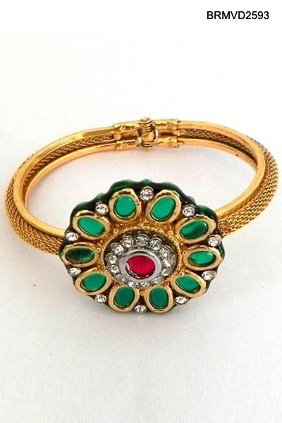 $20 Charming Kundan Bracelet