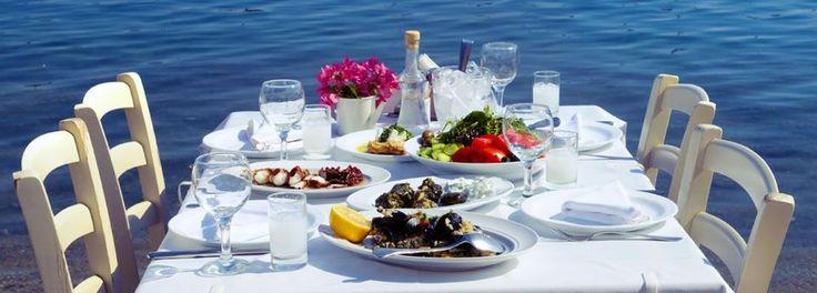 Telegraph: 10 вкуснейших блюд греческой кухни http://feedproxy.google.com/~r/russianathens/~3/2jX8u1bnyN0/22387-telegraph-10-vkusnejshikh-blyud-grecheskoj-kukhni.html  Обзор блюд греческой кухни, и выбор самых лучших из них сделали корреспонденты Telegraph.