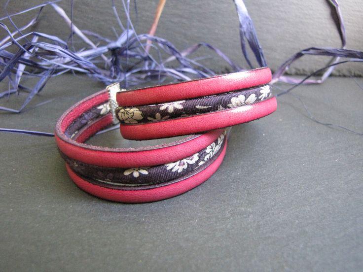 Bracelet Mado - style manchette, lien de cuir rose et biais spaghetti liberty violet