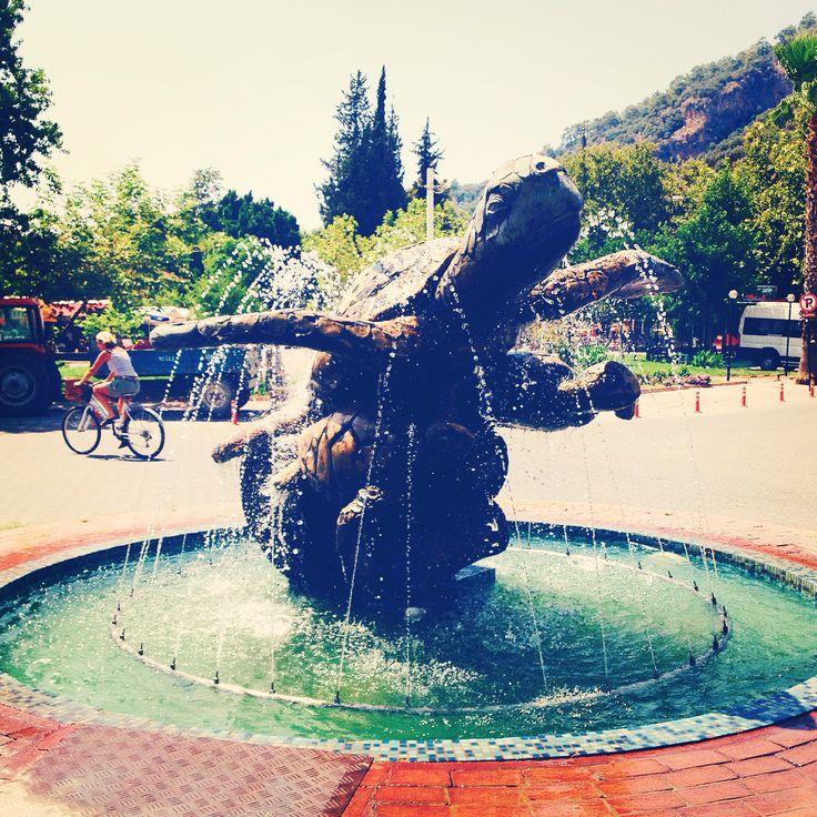 Muğla Dalyan'da Caretta Caretta heykeli