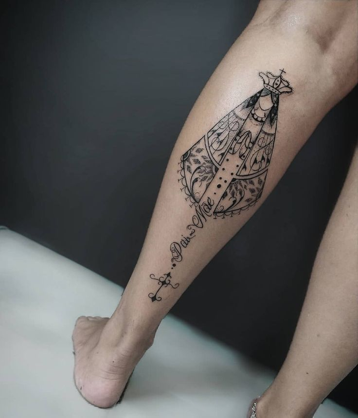 Tatuagem de santa: 90 ideias para eternizar e exaltar sua fé | Tatuagem, Tatuagem de santo, Tatuagem batata da perna