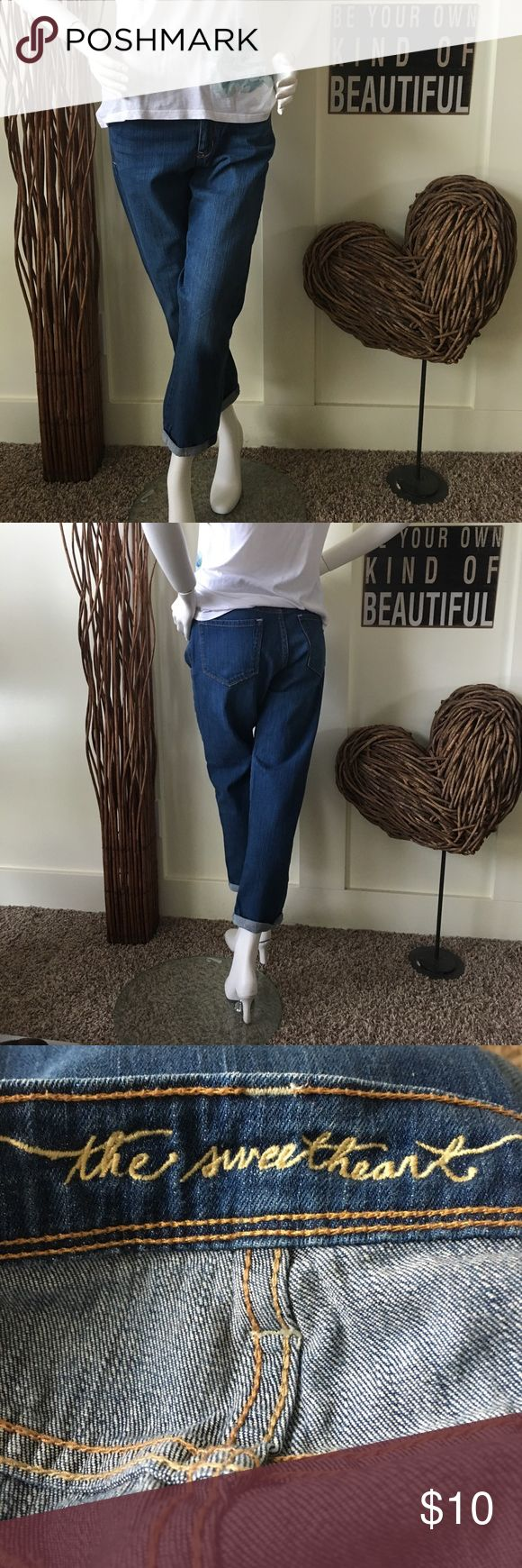 Old Navy sweetheart cropped jean Old Navy sweetheart rolled bottom cropped jean Old Navy Jeans Ankle & Cropped