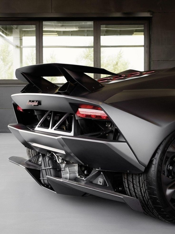 Boasting An Extremely Lightweight Construction Thanks To Advanced  Carbon Fiber Technology, The Lamborghini Sesto Elemento Concept Has An ...