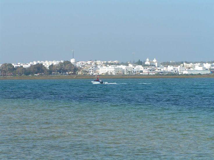 Fuseta von der Insel aus gesehen