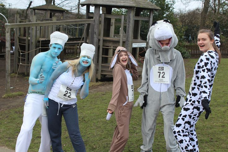 Animal and smurf fancy dress