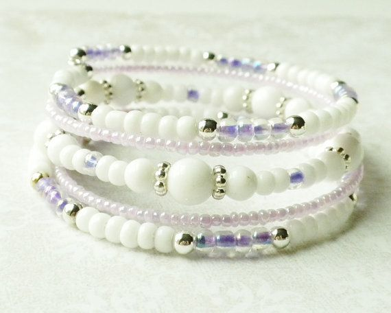 So pretty!!! White and Lavender Bracelet Memory Wire 5 by ReneeBrownsDesigns, $21.00 #teamfest #hollerh