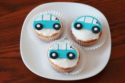 Learn how to make these really cute little car cupcake toppers that would be perfect for a boy's birthday party or event with our step-by-step tutorial.
