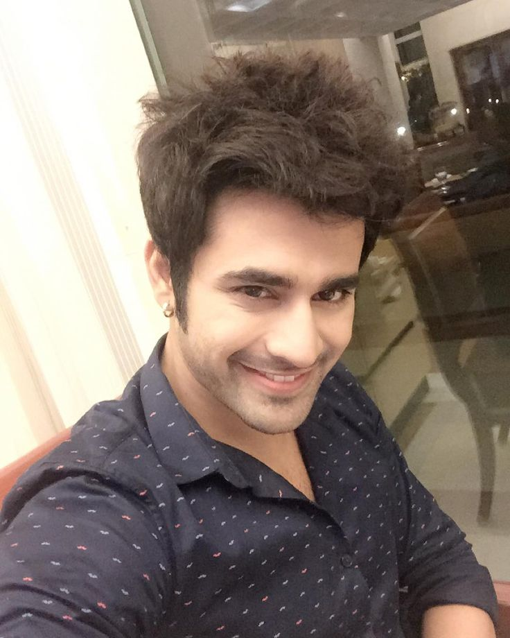 "pearlvpuri: ""Wishing you all Happy Diwali and a very happy new year ! I love you all @starplus @hotstar #badtameezdil #abeergiri"""