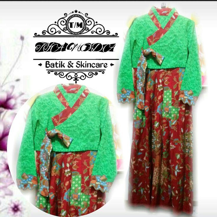 Hanbok Dobi  Paduan hanbok batik dobi merah dan hijau embos ini sangat segar dipandang mata,  Untuk pemesanan via whatsapp +85297368264  Boleh order kain nya saja atau sudah jadi sesuai request ukuran #hanbokdobi #hanbok #hanbokbatik