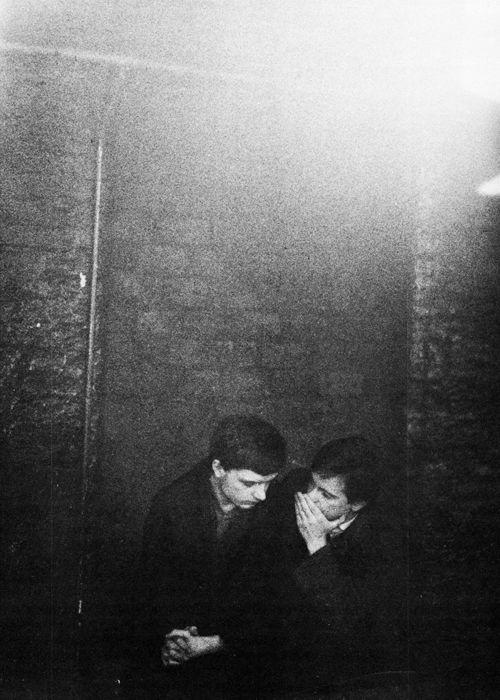 memoryepsilon:  Ian Curtis and Bernard Sumner, fromJoy Division (via post-punker)