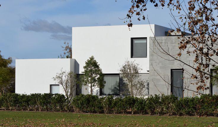 Arquitectura - Paisajismo - Ricardo Pereyra Iraola - Buenos Aires - Argentina - Casa - Paisajista - Hormigón - Madera - Vidrio
