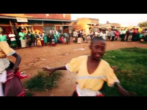 ▶ Jessie J - Price Tag lipdub by 500 women in Uganda - YouTube