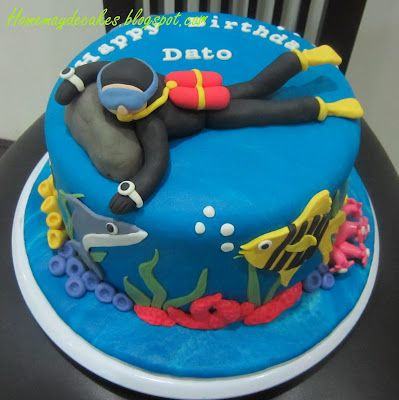 Home May'de Cakes: The Making: Scuba Dude Cake and his Underwater friends
