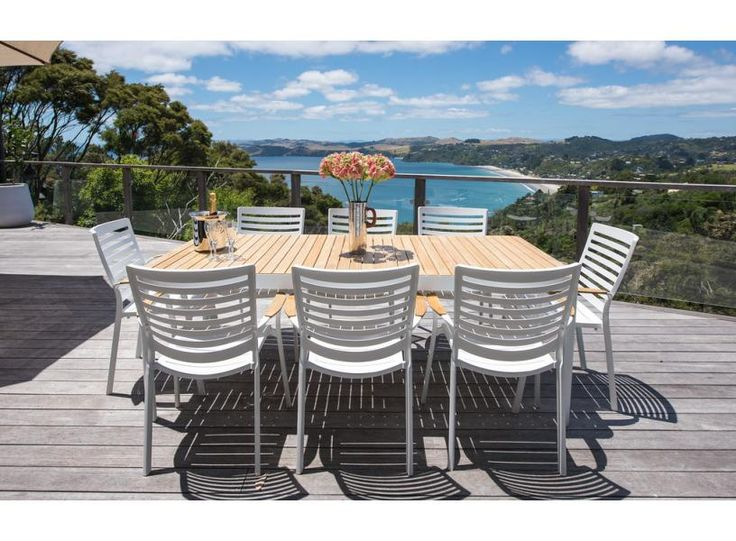 Onetangi Luxury | be My Guest Waiheke - luxurious designer house with spectacular views & a pool!