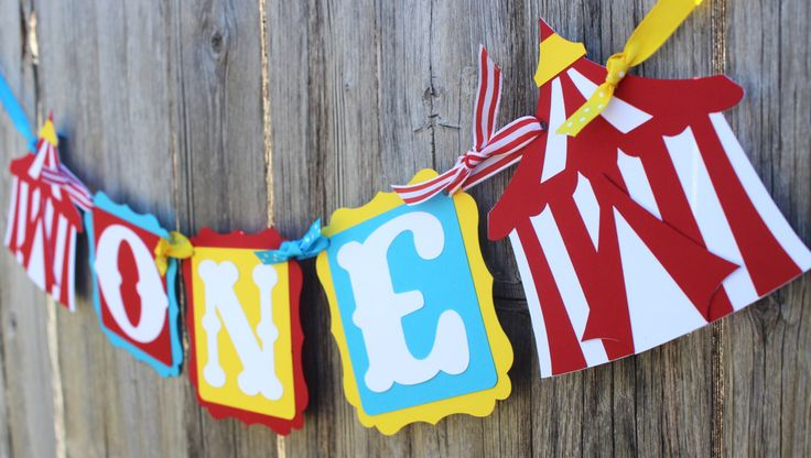 First Birthday High Chair Banner - Circus Birthday - One Banner - Birthday Banner - Carnival Birthday - 1st Birthday Banner by SparklingConfetti on Etsy https://www.etsy.com/listing/492257155/first-birthday-high-chair-banner-circus