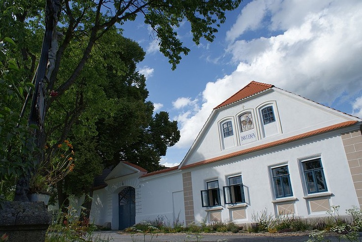 Faktkul Design, czech country house, Drtina, Bohemia, blue facade,