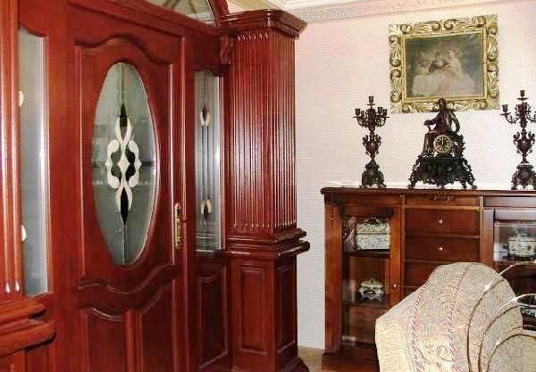 Faragott ajtó, egyedi terv alapján -Massive  wood door and pilasters