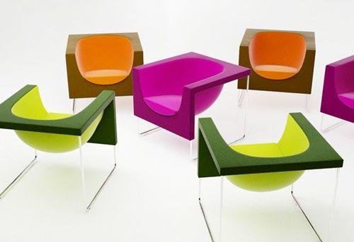 Sonríele a la vida con los nuevos sillones NUBE de STUA. El toque de color que te falta en casa, en Mobles Urgell. #Nube #Stua #MoblesUrgell
