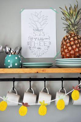 Gehaakte ananasslinger / Crochet pineapple garland. #HipmetHaken