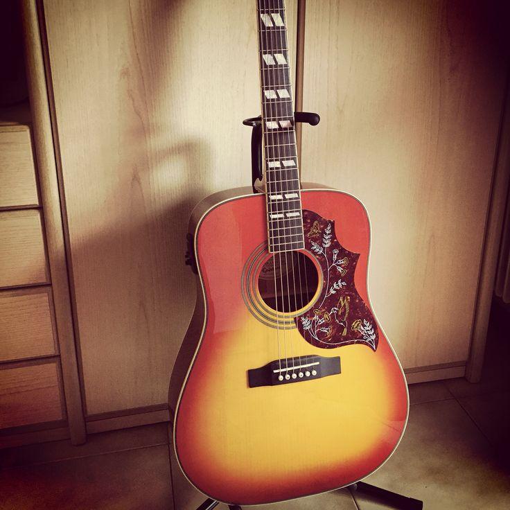Hummingbird new acoustic guitar