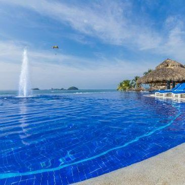 Known as the White place for it's stunning beaches, Ixtapa