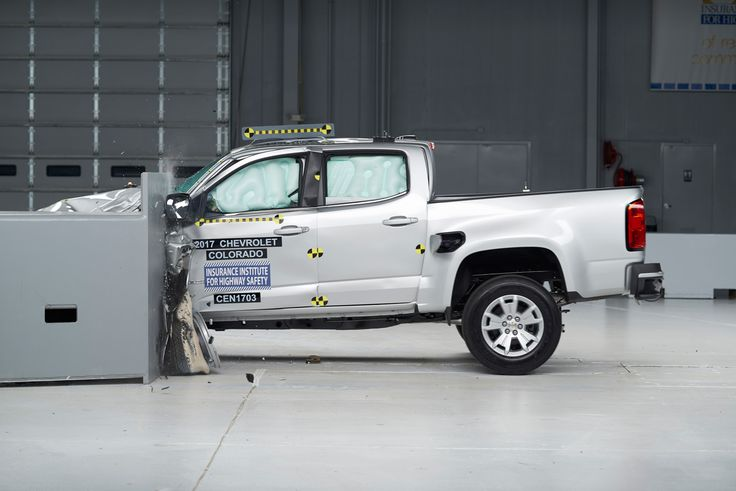 Small Pickups Disappoint in Crash Tests :  None qualified for either of the Institute's safety awards.  The post Small Pickups Disappoint in Crash Tests appeared first on AutoGuide.com News.