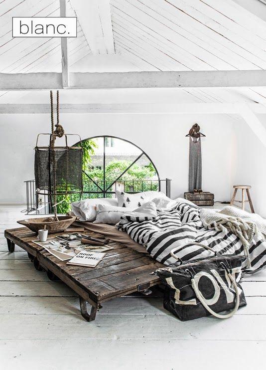 Chambre avec table sncf train style industriel Paulina Arcklin