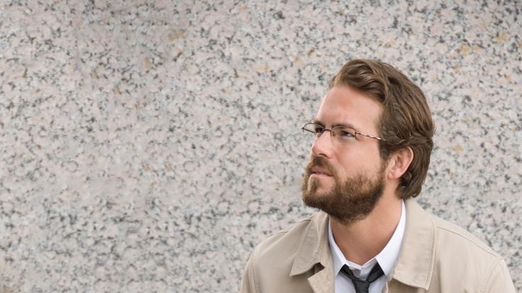 Ryan Reynolds With Glasses and Beard |1366 x 768 pixels 300 dpi RGB 8bit JPG