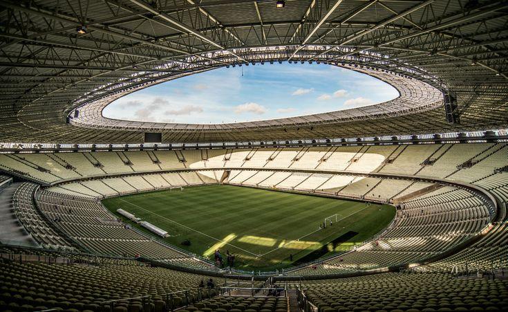 F.G. Saraiva: Estádio Castelão, Avenida Alberto Craveiro e o ent...