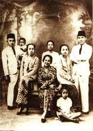 Sukarno & Inggit Garnasih's Family