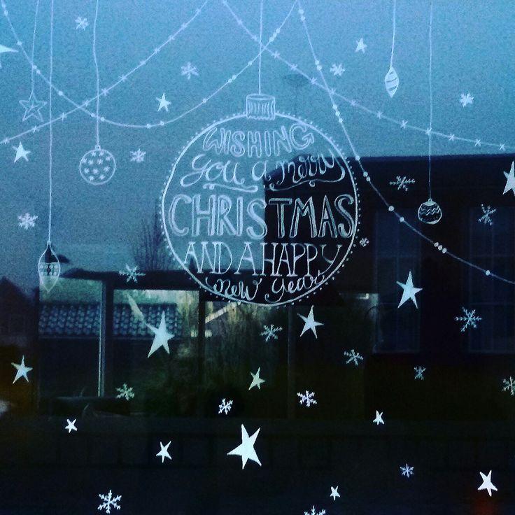 #mayoasha #krijttekening #krijtstift #chalkart #chalk #kerst #wensen #ster #versiering #raamtekening #christmas #xmas #doodle