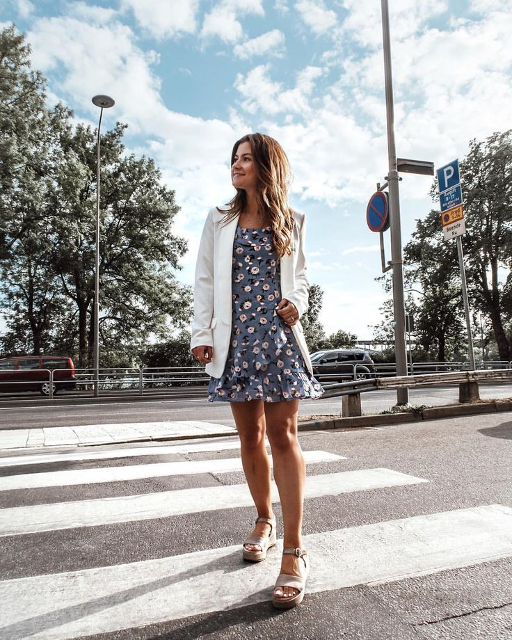 "273 Likes, 14 Comments - Nina Alina den Ruijter 🇳🇱🇵🇱 (@nina.alina) on Instagram: ""Playing dangerous on the streets is part of my daily job 🤷🏻‍♀️🌻👗 @loavies #ootd #streetstyle…"""