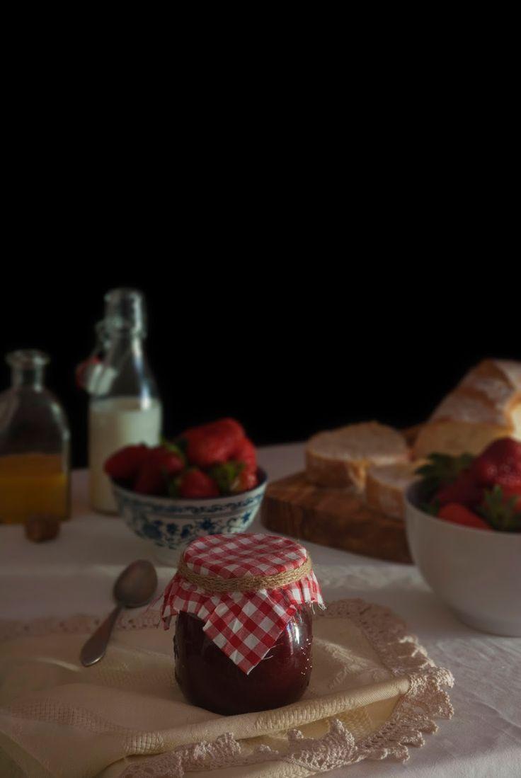 La asaltante de dulces: Receta de mermelada de fresa casera/ Homemade strawberry jam recipe