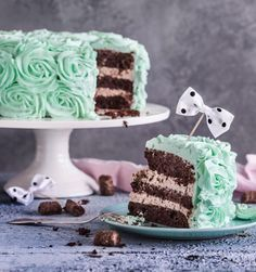 Minttusuklaa-ruusukakku // Mint Chocolate & Rose Cake Food & Style Emma Iivanainen, Painted By Cakes Photo Satu Nyström www.maku.fi
