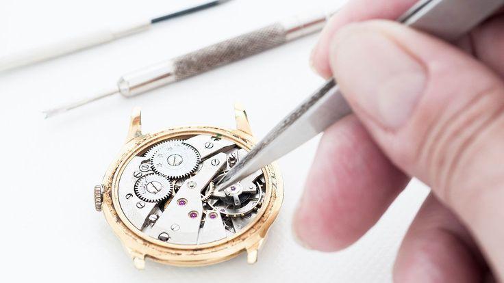 Только то, что часы стоят дорого, не означает, что они никогда не сломаются. Если вы хотите, чтобы ваши часы прожили как можно дольше, вам необходимо заботиться о них.   #советы по уходу за часами #руководство по уходу за часами #уход за часами #обслуживание часов