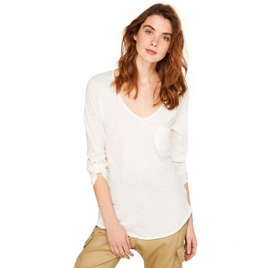 White T-shirt with pocket from #Benetton #Summer17 #woman collection