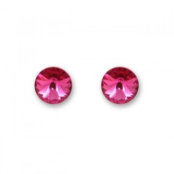Eenvoudig van opzet, maar juist daarom o zo mooi door de subtiele (8mm) Swarovski-kristallen. Deze fonkelende studs zijn een instant upgrade voor je outfit en behoren vast snel tot je favorieten. Het beslag is gemaakt van slijtvast, oersterk hypoallergeen chirurgisch staal (RVS). Het kristal is diep roze en schittert prachtig #applepiepieces #valentine #gift