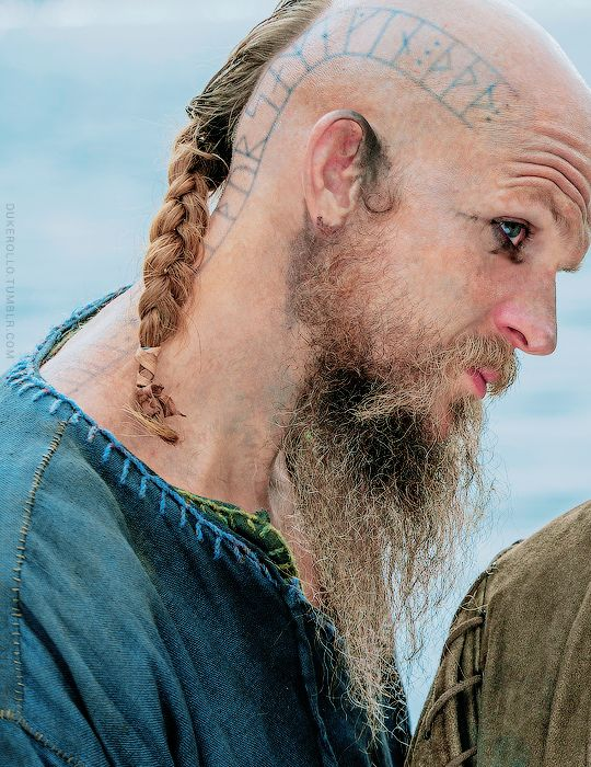 Get knocked down, get back up. Floki in season 4 ep.11
