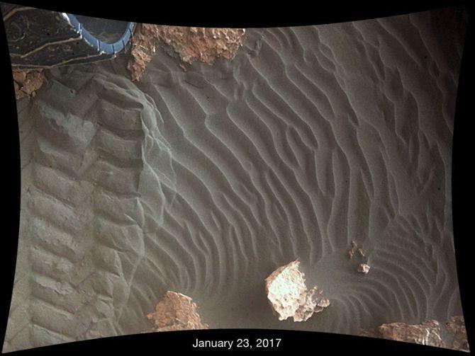 See the sand on Mars move under NASA's Curiosity rover