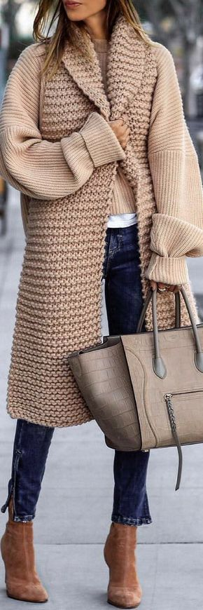 3 Of The Most Charming Outfits To Try On The Holidays https://ecstasymodels.blog/2017/11/11/3-charming-outfits-try-holidays/