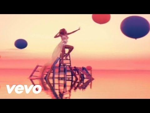Rihanna - Only Girl (In The World) - YouTube