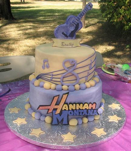 Hanna Montana cake.