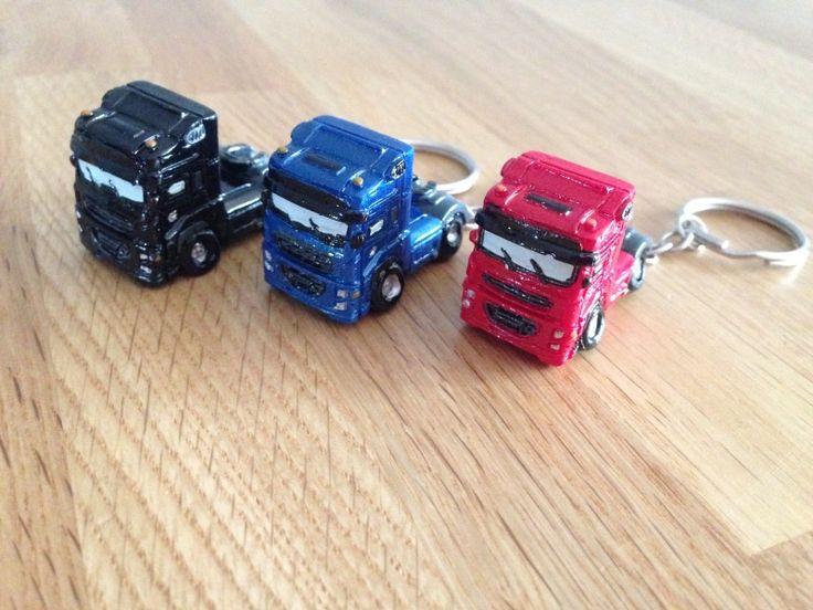 truck vrachtauto sleutelhangers 4 stuks