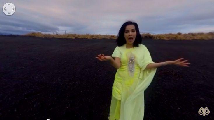 Luego de ser utilizado como instalación en el MOMA de Nueva York, Bjork lanzó el video 360 de Stonemilker, canción..