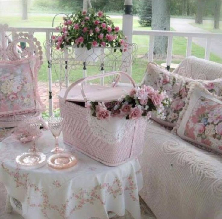 The 25+ best Shabby chic porch ideas on Pinterest